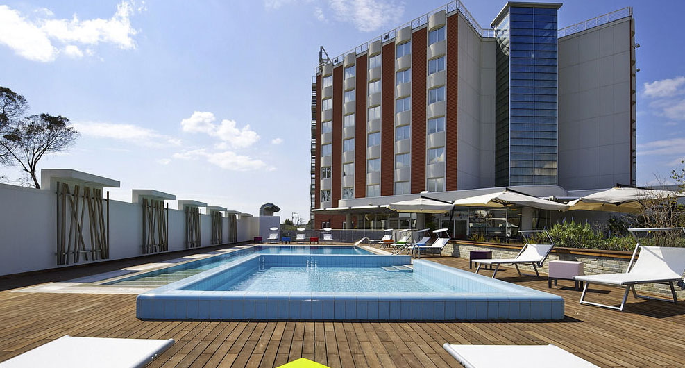 5 KM FROM CONGRESS LOCATION<br /> NOVOTEL SALERNO ARECHI ****
